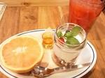 どんなものを想像しますか? グラノーラとグレープフルーツ ロイヤルガーデンカフェ