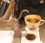 ブルーボトルコーヒー青山で目の前でドリップされたコーヒーをいただく贅沢