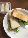 朝食にBLTサンド