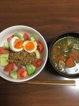 アボカドトマト納豆半熟卵丼