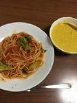 休日のランチにフライパンだけでつくるトマトパスタとフープロなしで作るかぼちゃのスープカレー風味