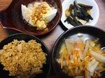 在宅勤務ランチ 豚汁と湯豆腐の献立
